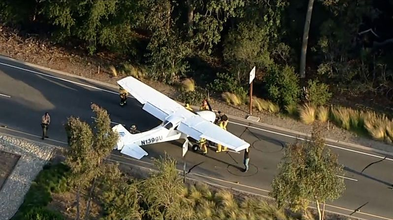 Letadlo nouzově přistálo na americké dálnici