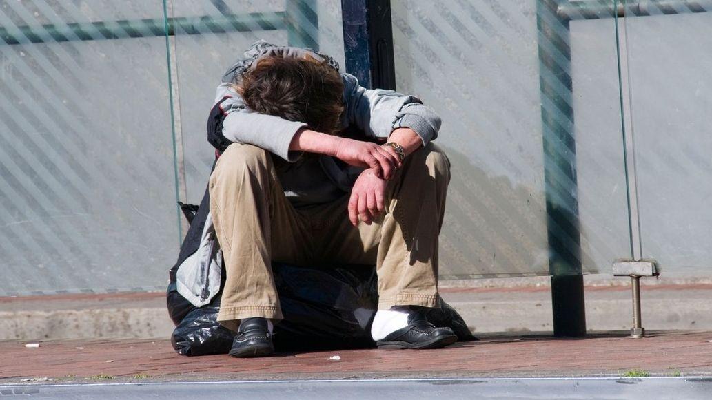 Mladí lidé bez domova dostanou v New Yorku každý měsíc 27 000 Kč