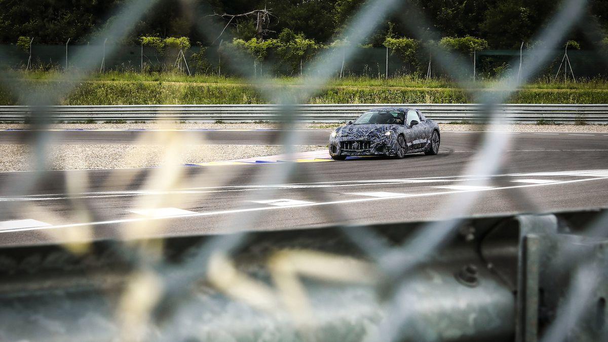 Maserati poutá na novou generaci kupé GranTurismo
