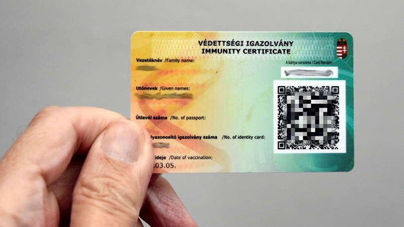 V Maďarsku objevili falešné očkovací průkazy