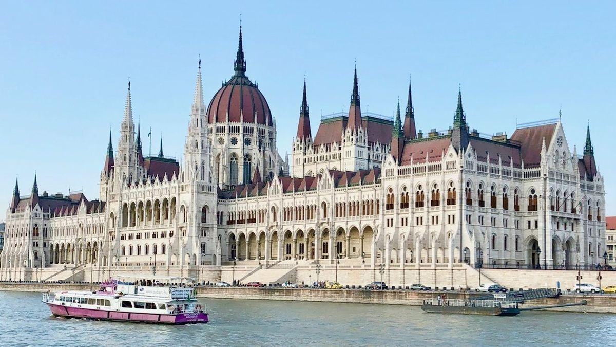 Primárky maďarské opozice přinesly vítězství Dobrevové