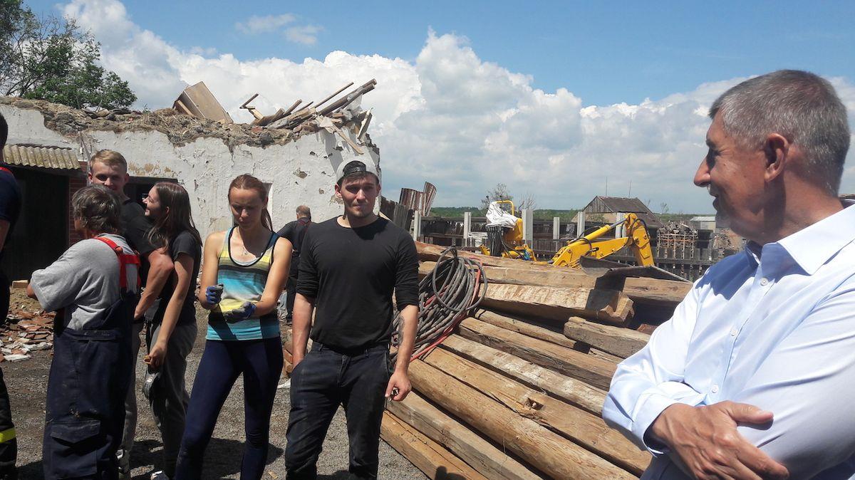 Babiš: Stát pomůže bouří poničené obci Stebno podobně jako obcím na Moravě