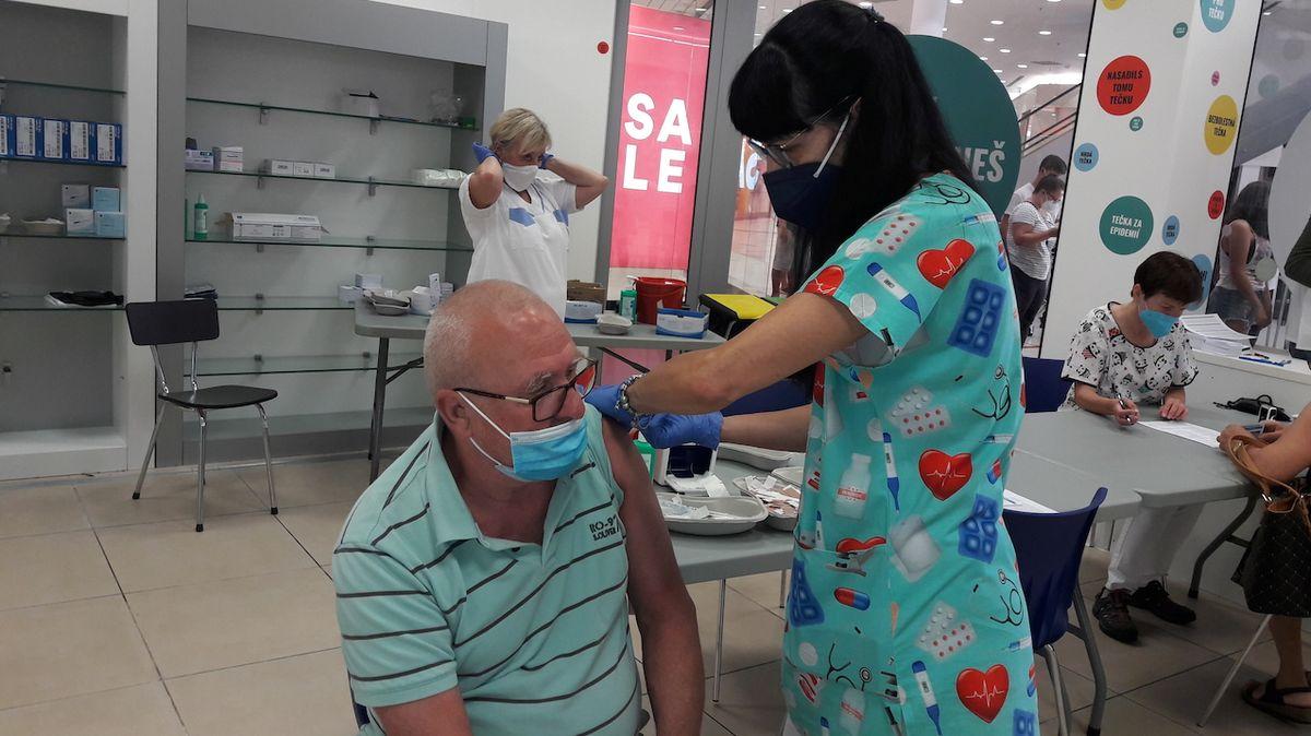 Slovensko spouští očkovací loterii o 100 000 eur