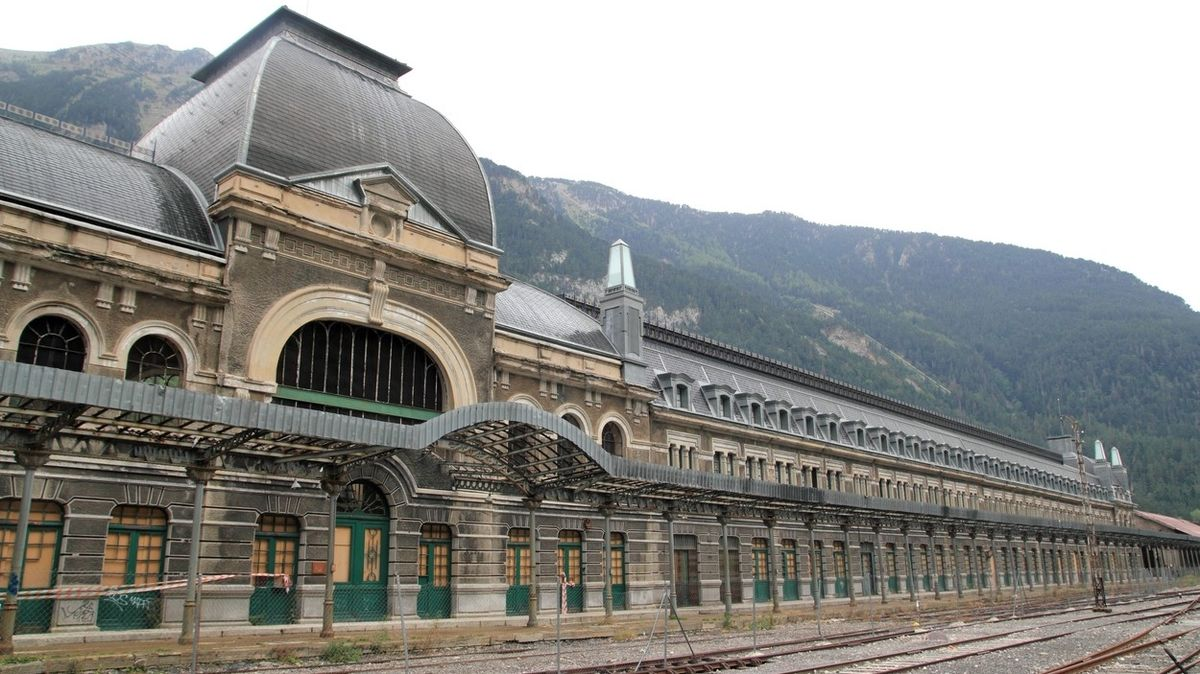 Nejsmolnější evropská železniční stanice dostane další šanci