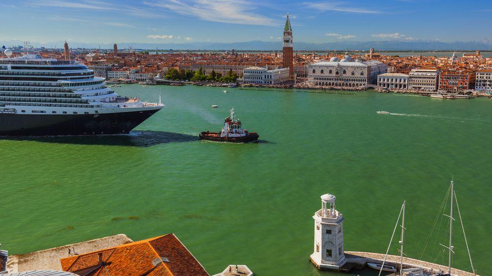 Obří výletní lodě už v Benátkách nezakotví. Od srpna mají zákaz