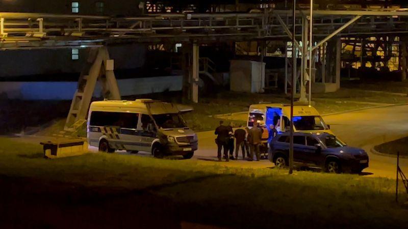 V Lovosicích explodoval separátor na řepku, hasiči požářiště ochlazují