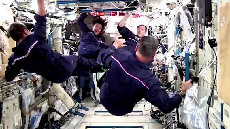 Astronauti si na ISS uspořádali olympiádu a královsky se bavili