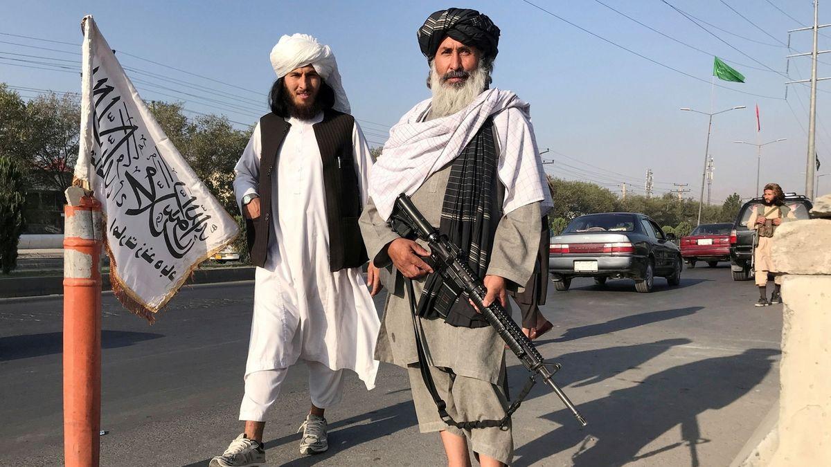 Tálibán obchází domy se seznamy. V Kandaháru prý popravili tlumočníka Američanů