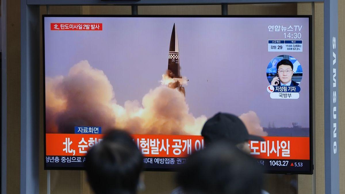 Severní Korea odpálila dvě balistické rakety, jednu pak vypustila Jižní Korea