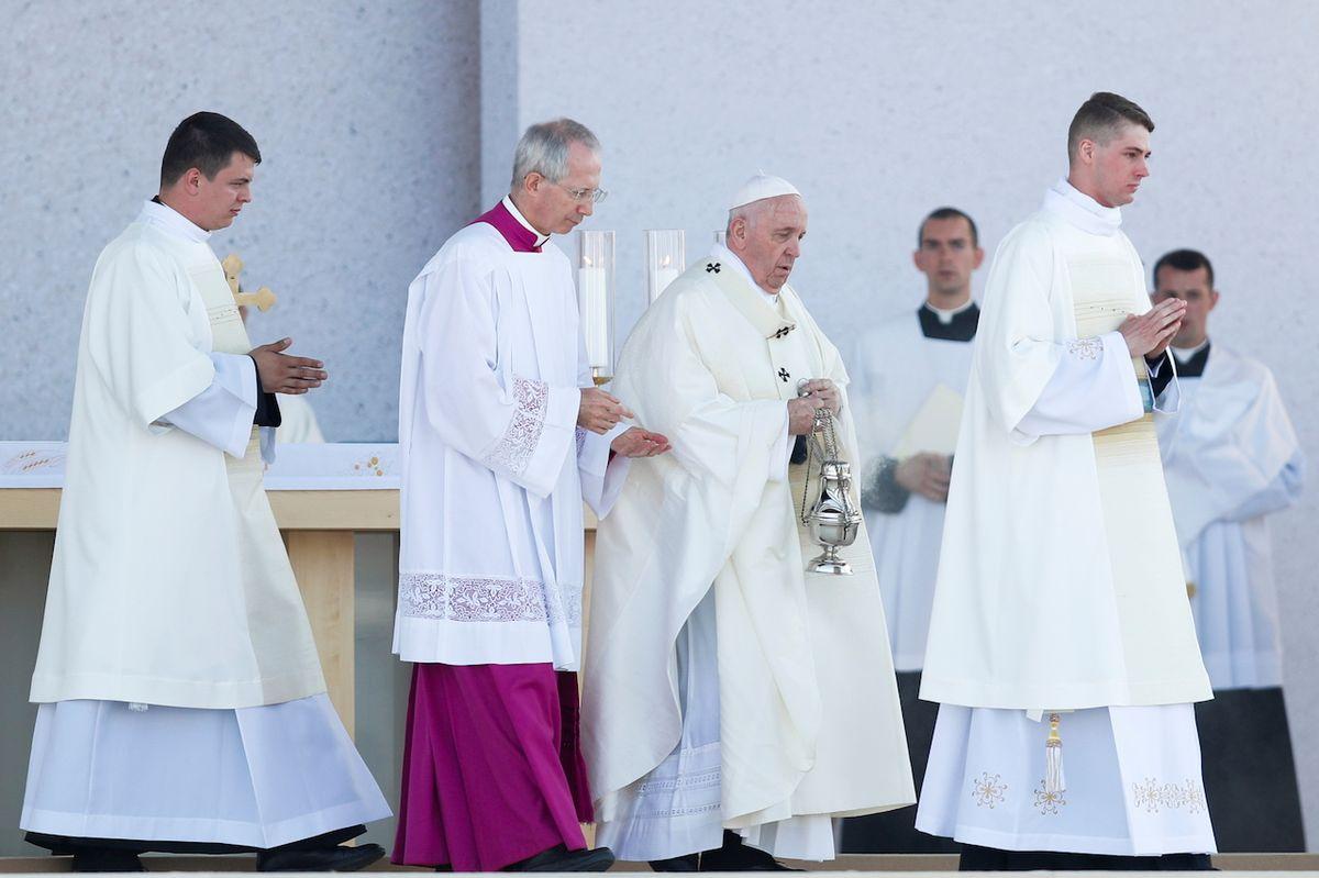 Papež František během bohoslužby v Šaštíně.