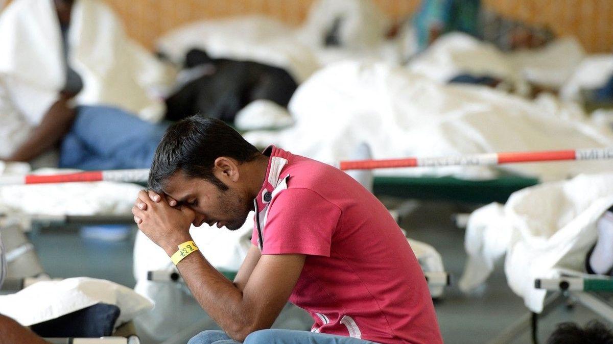 Zachází s námi jako se zvířaty, stěžují si migranti na život v německém azylu