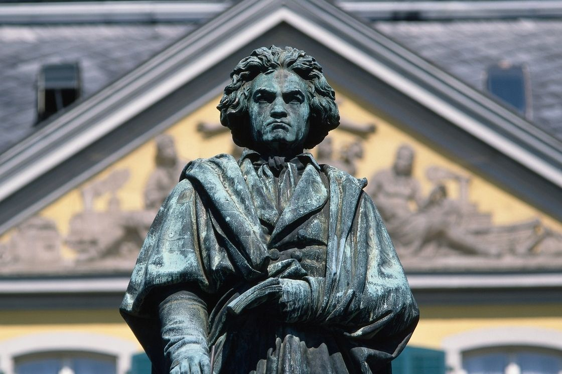 Socha Ludwiga van Beethovena v německém Bonnu