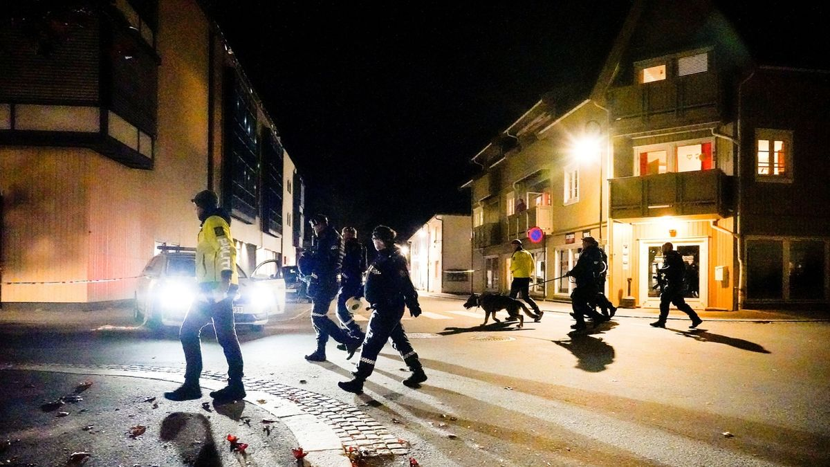 Muž v norském městě Kongsberg útočil lukem a šípy.