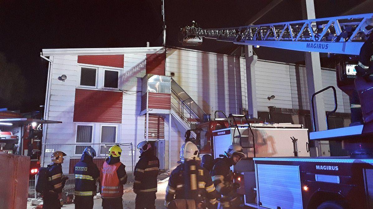 Požár haly v Novinách pod Ralskem
