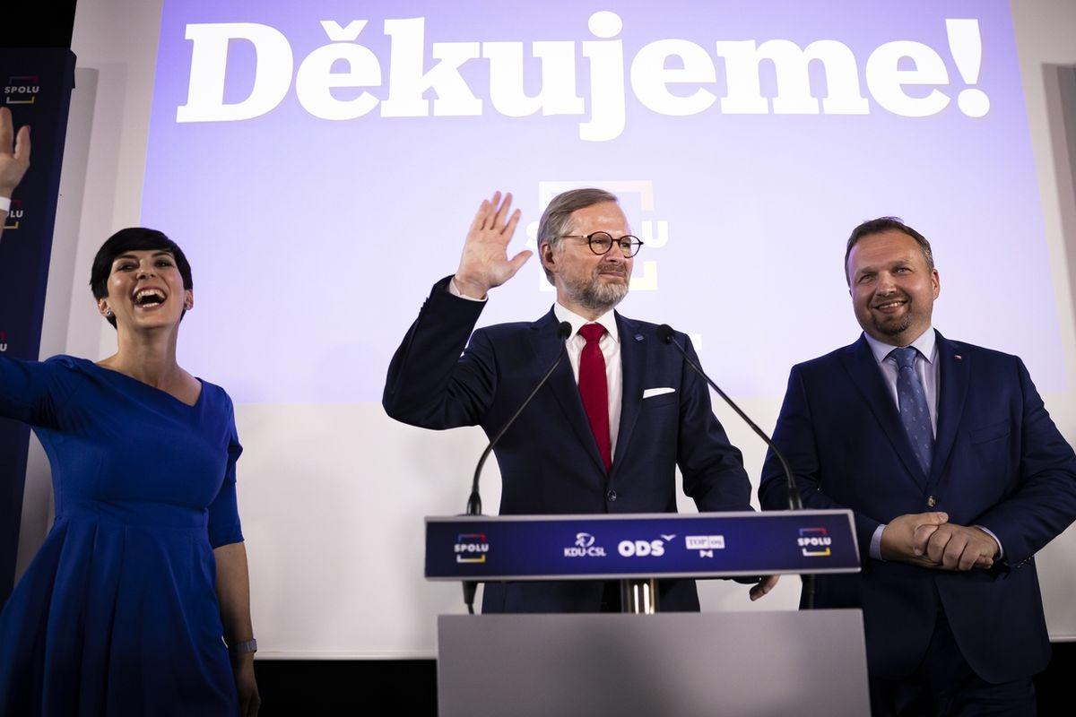 Zástupci koalice SPOLU (ODS, TOP09, KDU-ČSL) Markéta Pekarová Adamová, Petr Fiala a Marian Jurečka.