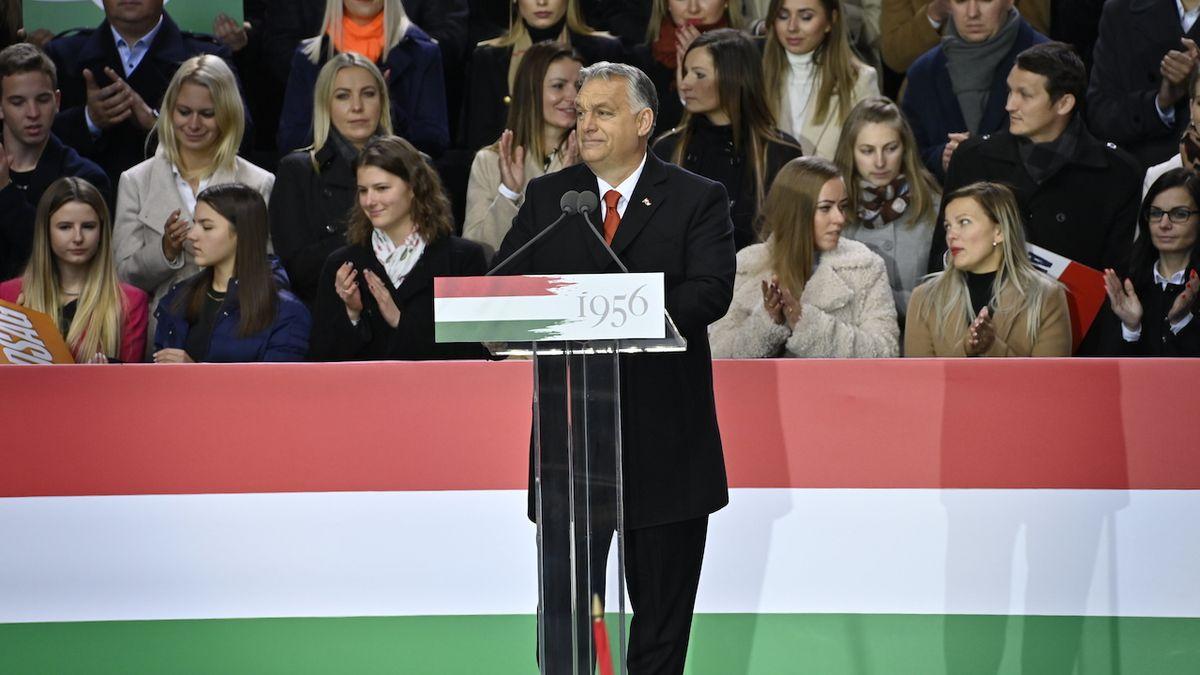 Už nikdy více. Maďarsko si připomnělo 65. výročí protikomunistického povstání