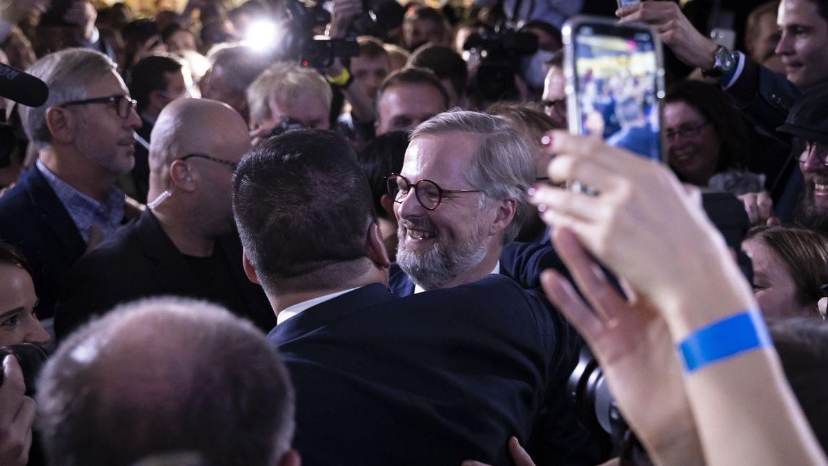 FOTO: Volby 2021 – radost i zklamání ve volebních štábech