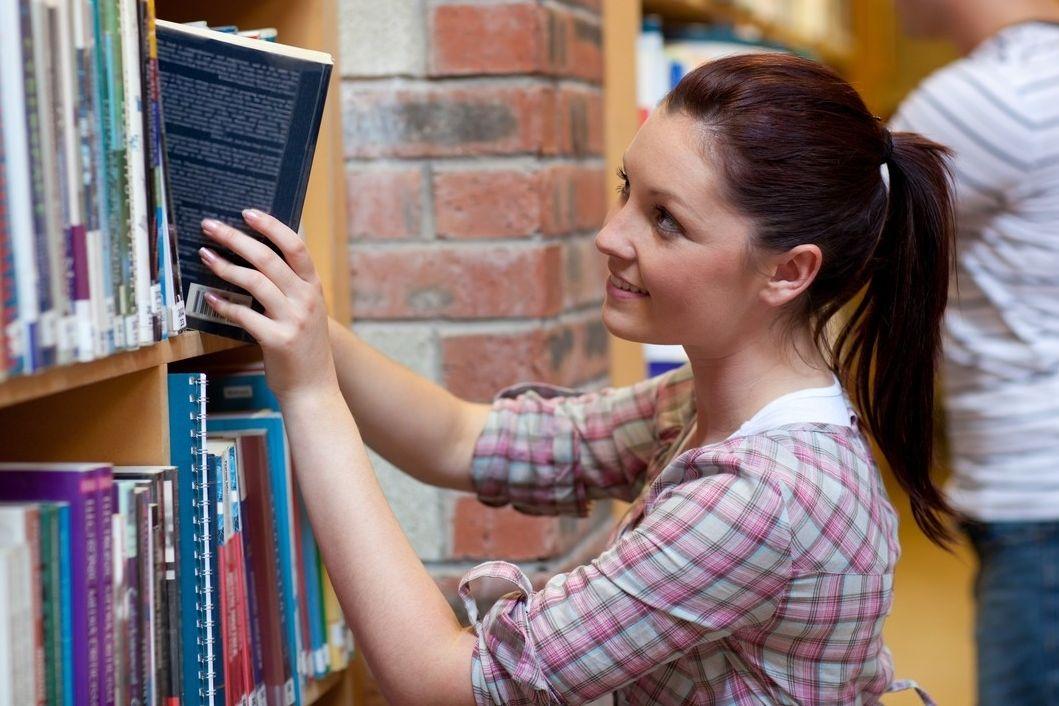 S výběrem knih, které baví dnešní mládež může pomoci knižní festival