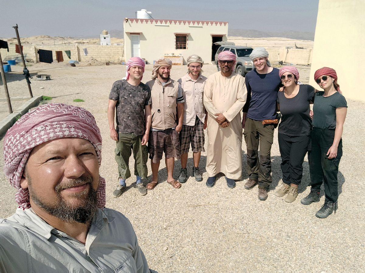 Roman Garba (vlevo) s týmem archeologické expedice v Ománu